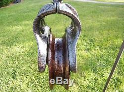 ANTIQUE CAST IRON AND WOOD LOUDEN A23 BARN PULLEY HAY TROLLEY TOOL PRIMITIVE