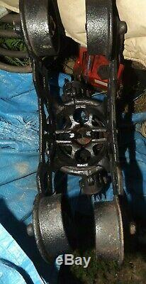 ANTIQUE CAST IRON Hay Barn Trolley Carrier Farm Pulley Tool MARKED JC ORNATE