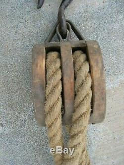 ANTIQUE DOUBLE BOSTON LOCKPORT BLOCK Co. BLOCK & TACKLE With HEMP ROPE 150' +/
