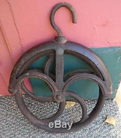ANTQ Large Water Barn Well Pulley Wheel No. 12 Cast Iron Metal Steampunk Farm