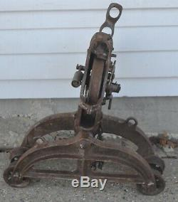 Antique Barn Farm Hay Trolley Carrier Pulley May 28 1928 Pat Oct 10 1910 X281A