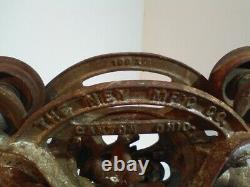 Antique Ney Mfg Co Canton Ohio Barn Hay Trolley Carrier Pulley Cast Iron