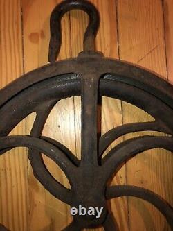 Antique PULLYS PAIR STEEL NO. 12 SWIVEL HOOK FARMHOUSE BARN WELL 5-SPOKE WORKING