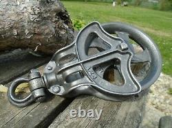 Antique Vintage Cast Iron And Wood Barn Pulley INDUSTRIAL Rustic Primitive