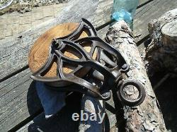 Antique Vintage Cast Iron And Wood Ornate Barn Pulley Farm tool Rustic Primitive