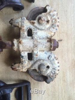 Antique / Vintage Cast Iron Barn Door Pulley Old Farm Tool Rustic Primitive