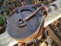 Antique / Vintage Cast Iron Hudson Barn Pulley Old Farm Tool Rustic Primitive