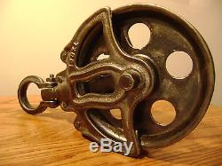 Antique / Vintage Cast Iron Ney Hay Trolley Barn Pulley Old Farm Tool Rustic