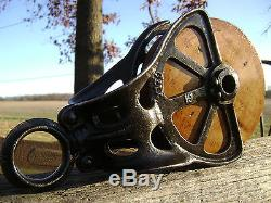 Antique / Vintage Cast Iron Starline Barn Pulley Old Farm Tool Rustic Primitive
