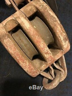 Antique Vintage YOUNG IRON WORKS SEATTLE Farm Barn Pulley block hook rigging