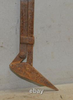Antique hay bale spear harpoon carrier trolley part collectible farm tool E7
