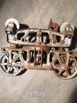 Antique hay trolley cast iron farm tool barn pulley unloader vintage hay carrier
