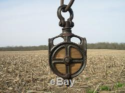 NICE VNTAGE CAST IRON & WOOD DROP PULLEY FOR BARN HAY TROLLEY CARRIER