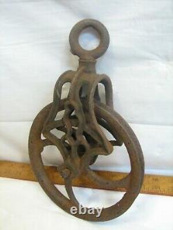 Ornate Cast Iron Clothesline Well Pulley Old Farm Wheel Barn Steampunk Tool