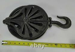 VINTAGE CAST IRON BARN PULLEY STOWELL MFG & FDY CO. SO. MIL WIS NO. 12/13 8 dia