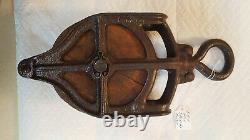 Vintage Cast Iron International Harvester Barn Pulley WA443 Rare