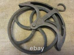 Vintage Cast Iron Well Pulley Antique Old Farm Wheel Barn Steampunk 10118