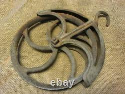 Vintage Cast Iron Well Pulley Antique Old Farm Wheel Barn Steampunk 10273