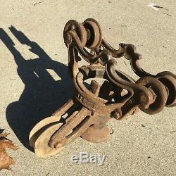 Vintage V. L. Ney MFG. Cast Iron Swivel Hay Farm Barn Trolley Canton OH